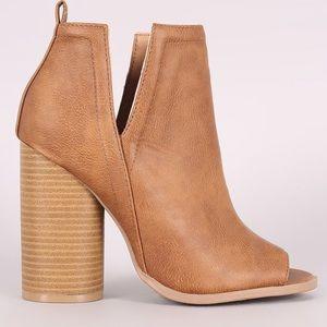 Qupid side cutout chunky heel booties